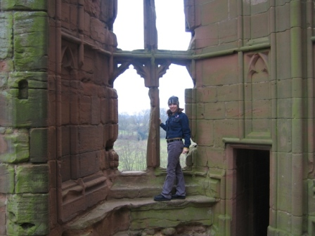 sara-at-kenilworth-castle-015.jpg