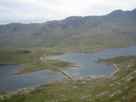 The path around Llyn Llydaw